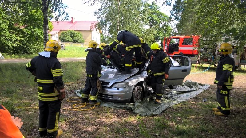 EVA-auton AKK lisenssi koulutus 2016